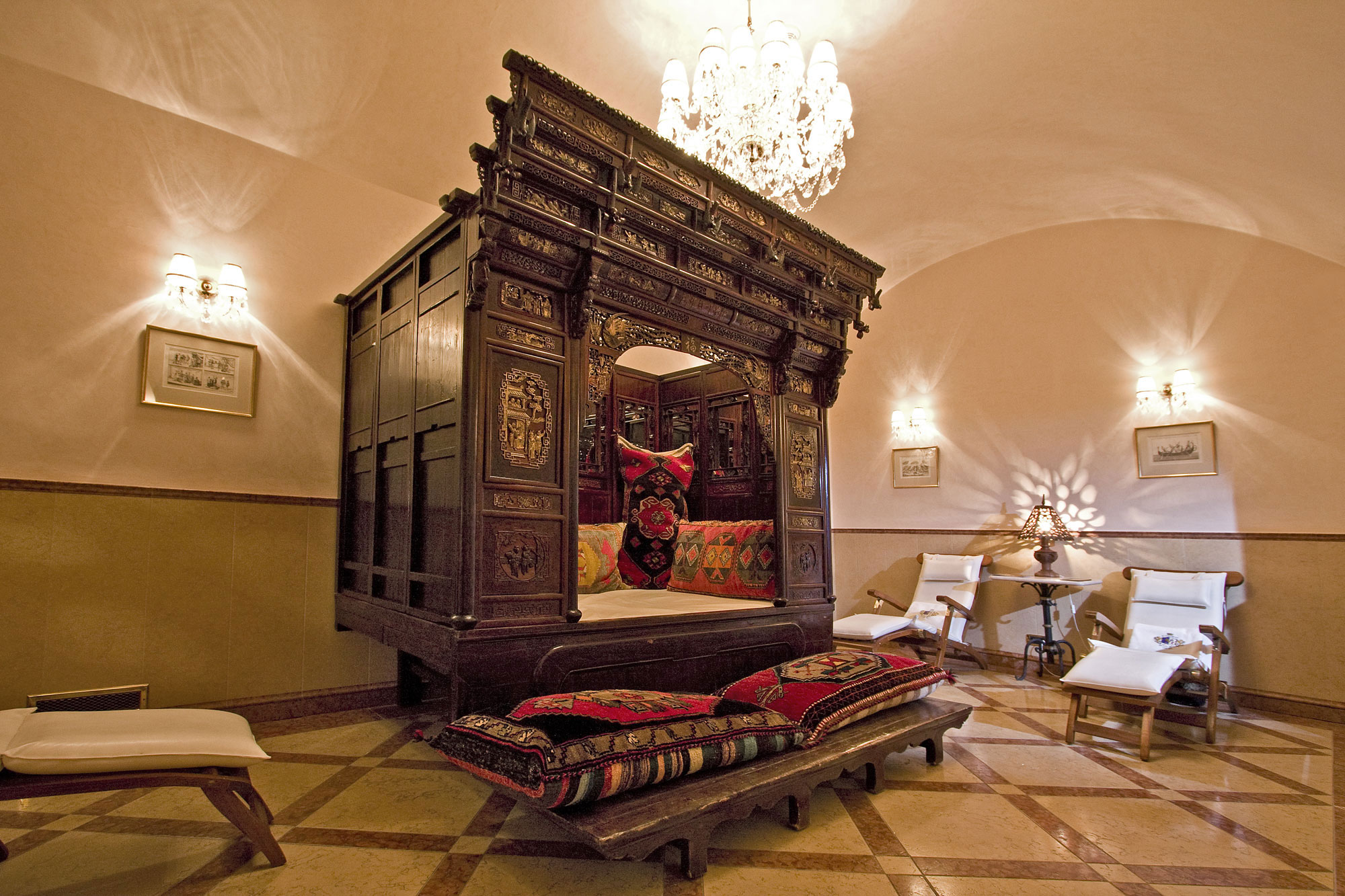 Romantic quirky prague jessinbelgium for Quirky hotels in prague